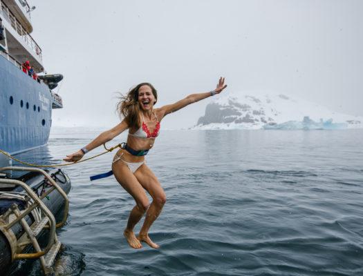 Sprung ins Polarmeer